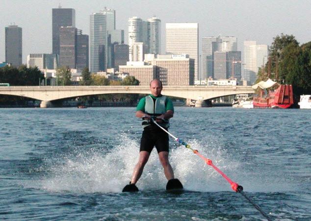 Ski nautique sur la Seine